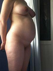 nude pregnant