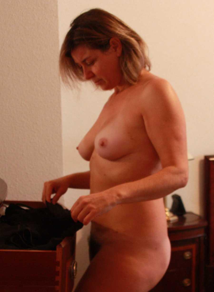 Female masturbation watching porn