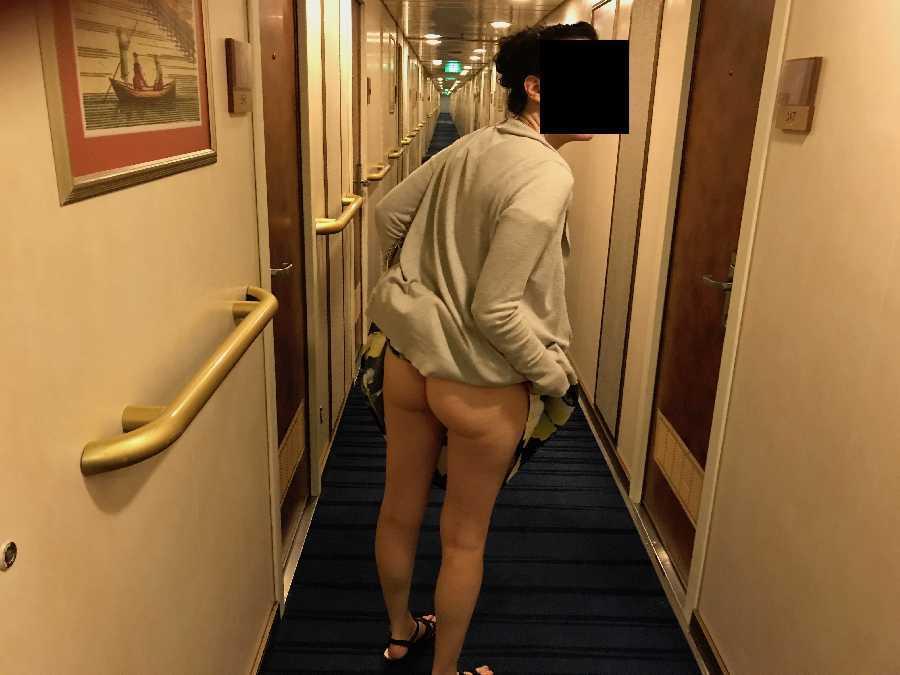 Public Cruise Hallway Flash