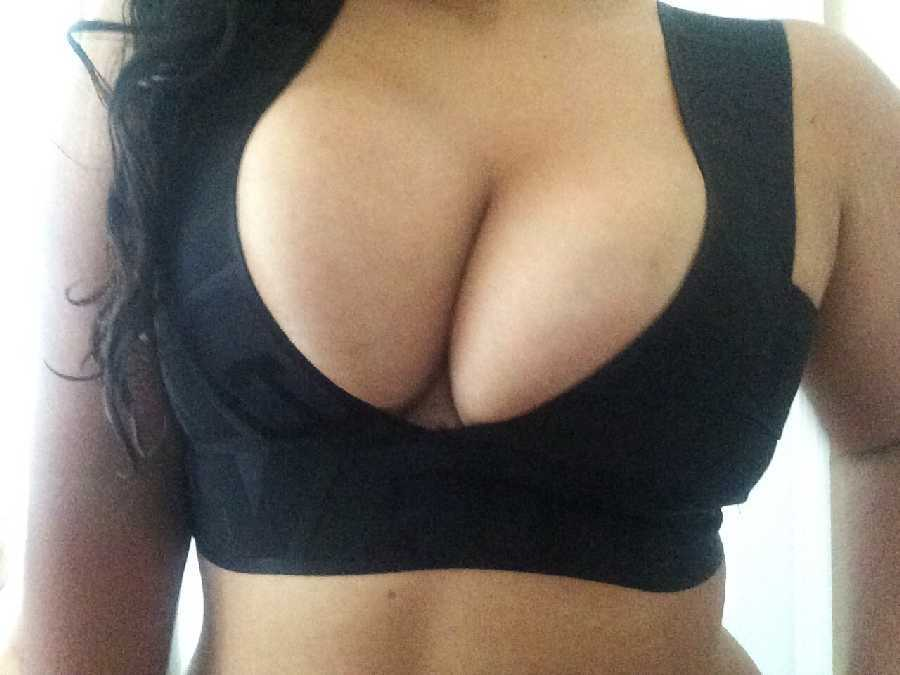 Boobs in Sports Bra