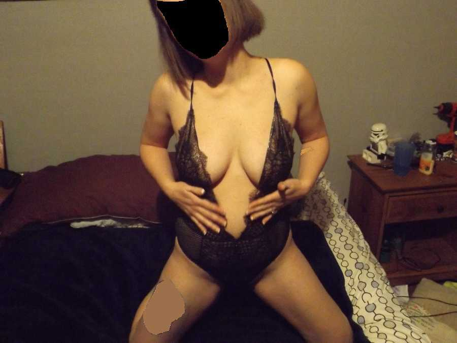 Young Nude Mom