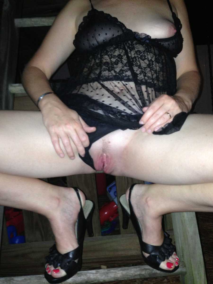 Sharing Sexy Pics
