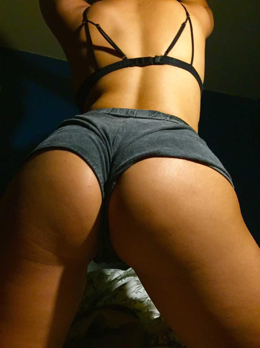 Sexy Bedroom Photoshoot