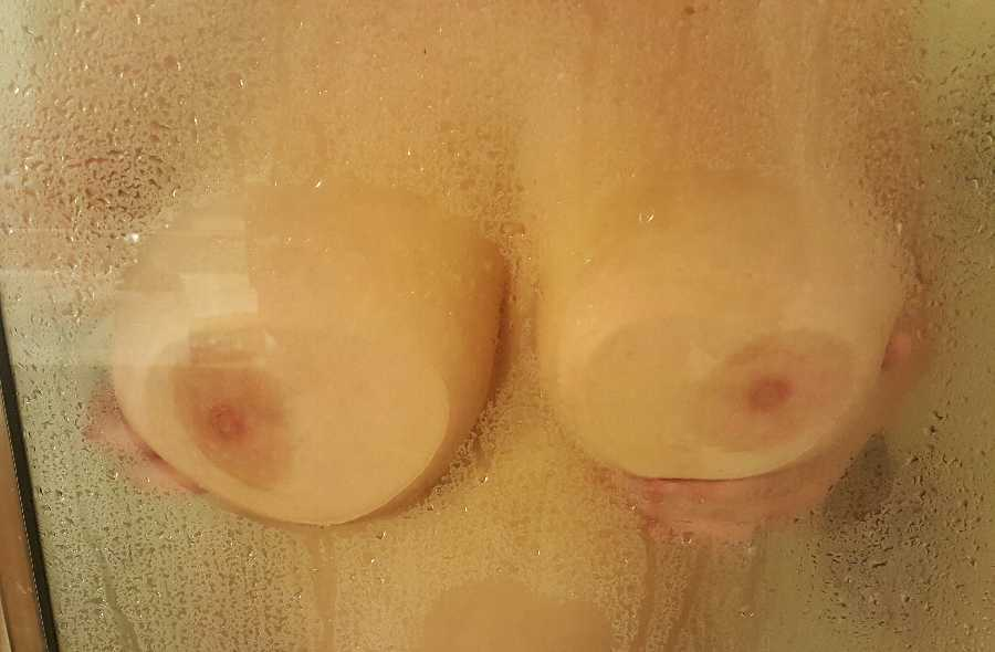 Shower Boobs