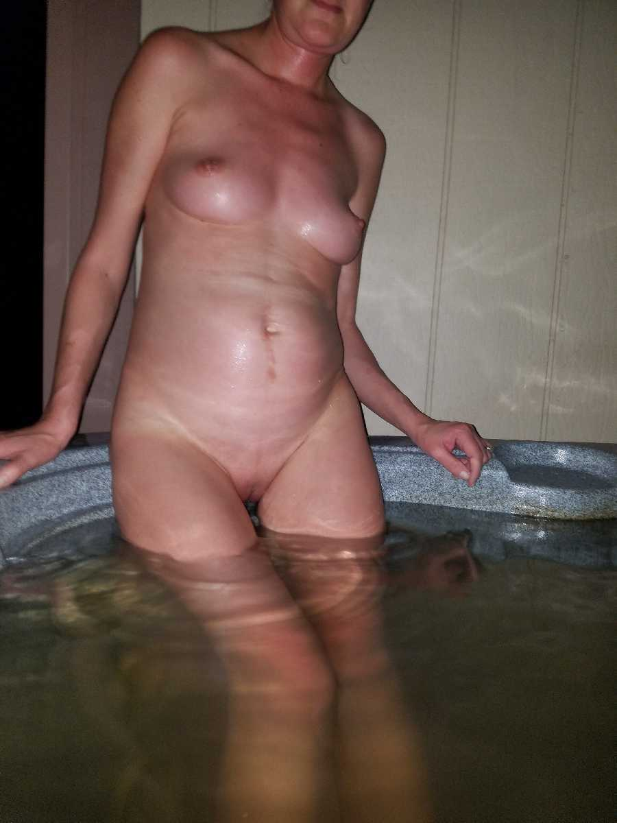 Sexy Night in the Hot Tub