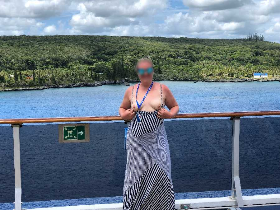 Cruise Flashing Pics