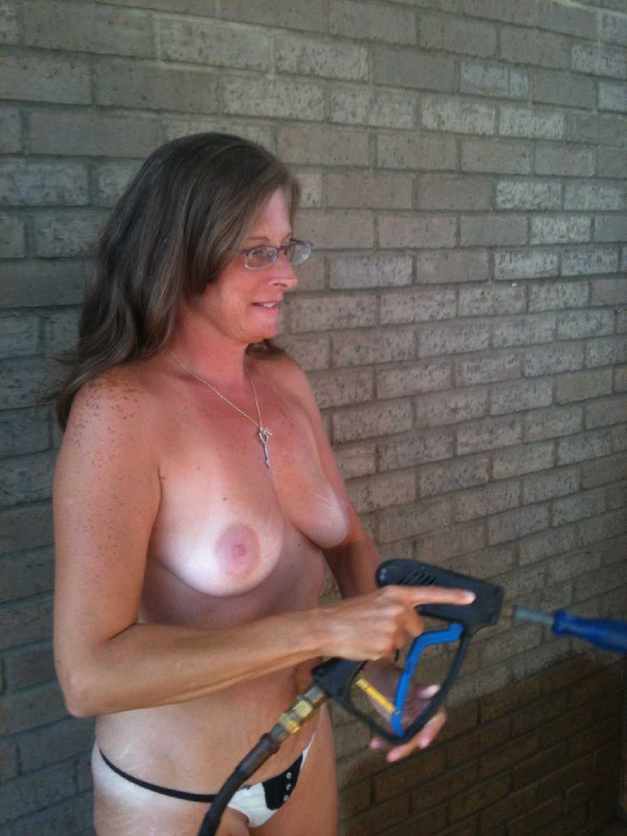 Flashing at the Car Wash Dare