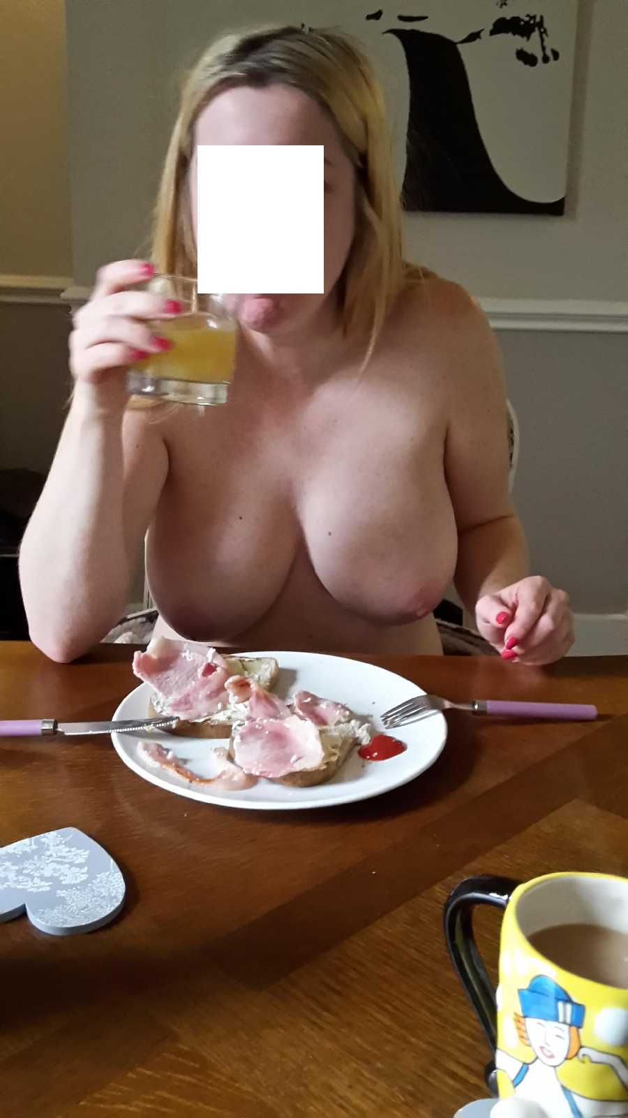 Breakfast & Boobs