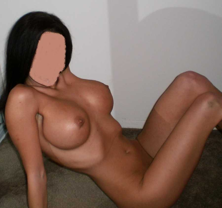 Wife Does Private Nude Photoshoot Dare