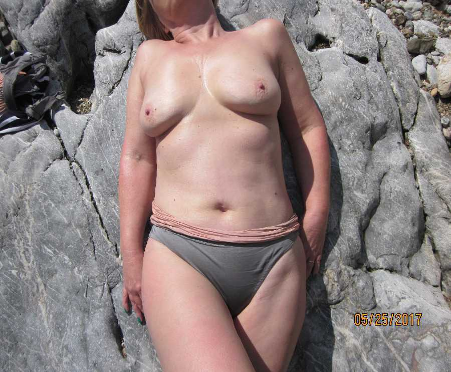 MILF Nude in the Greek Islands