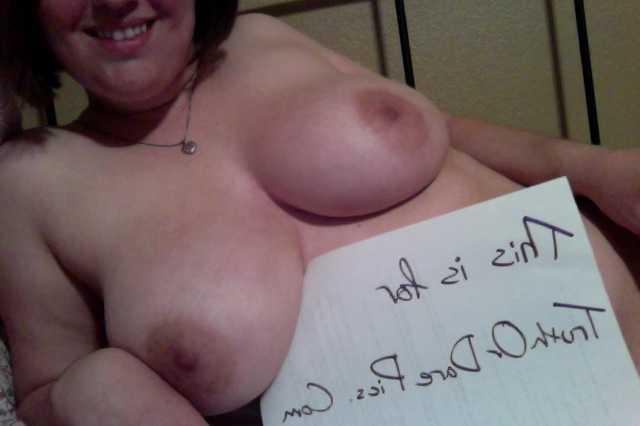 Girl Posts Nude Pics