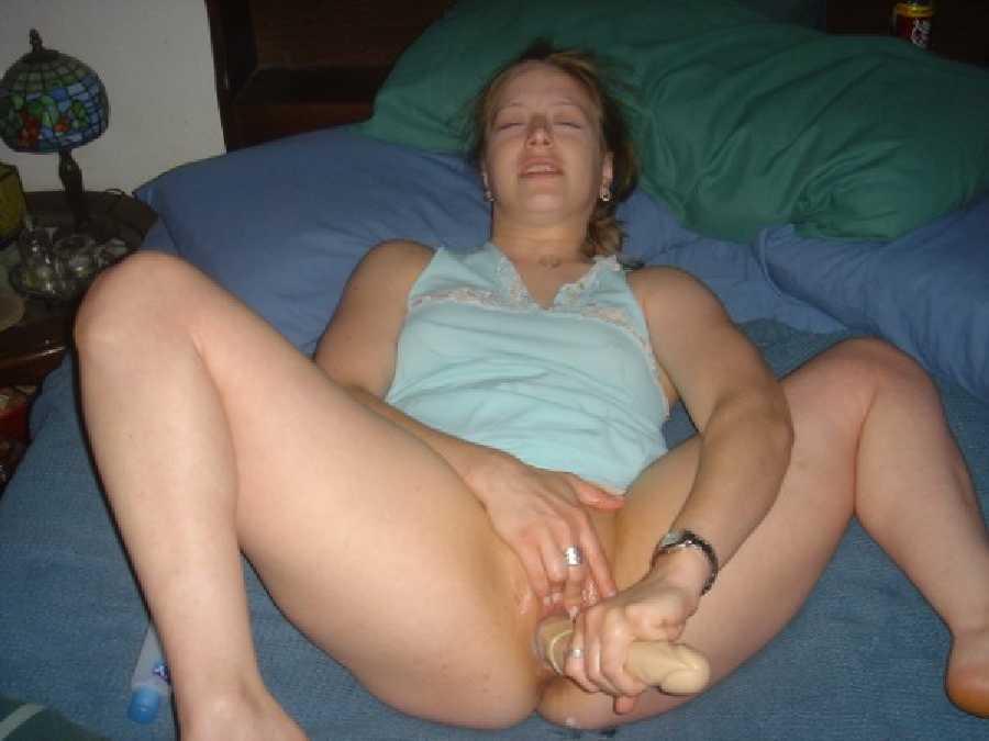 Nude wife masturbate photo