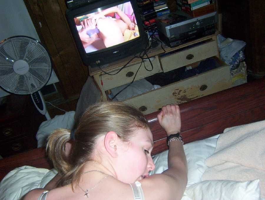 I Like Watching Porn - ... let us watch actual live people in the future. For now we like the  dares on the site and will probably get a webcam by the end of the year. -  Danielle