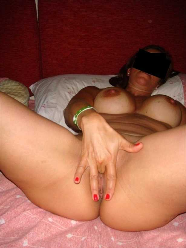 Exhibitionist MILF