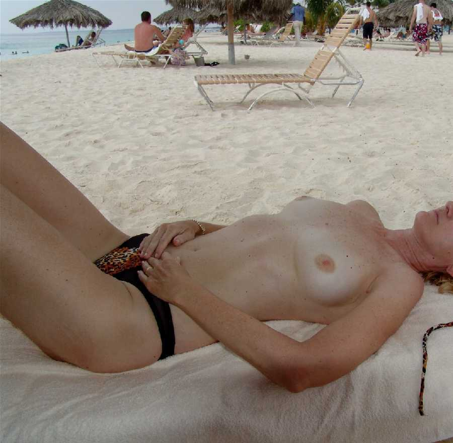topless wife dare