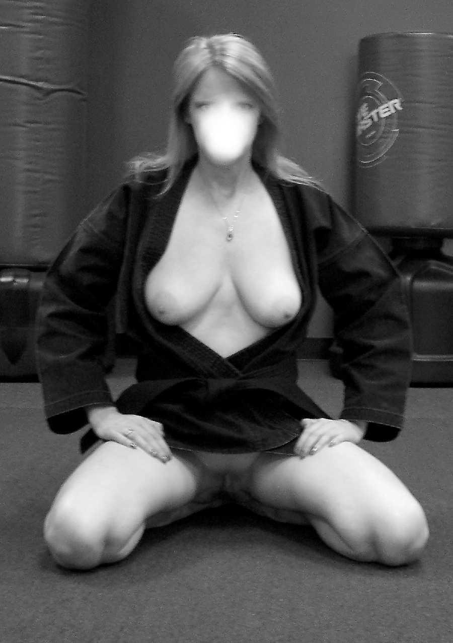 naked-karate-woman-tiffany-pollard-sex-tape-video
