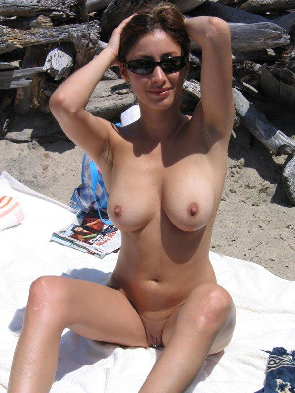 Sexy nude women at the beach