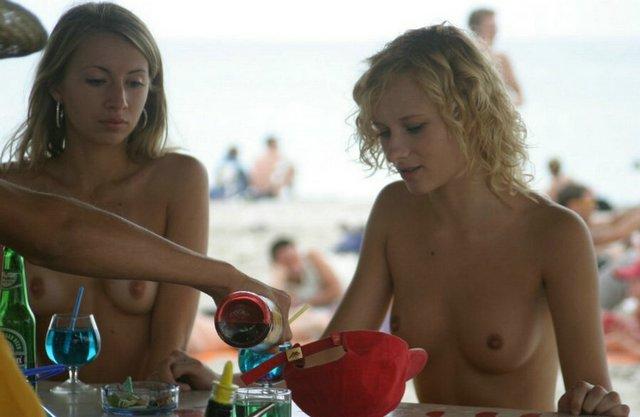 Italian girl nudist beach pussy — 10