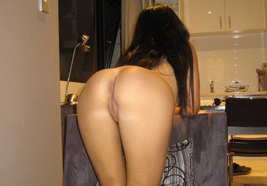 Girls Nude From Behind