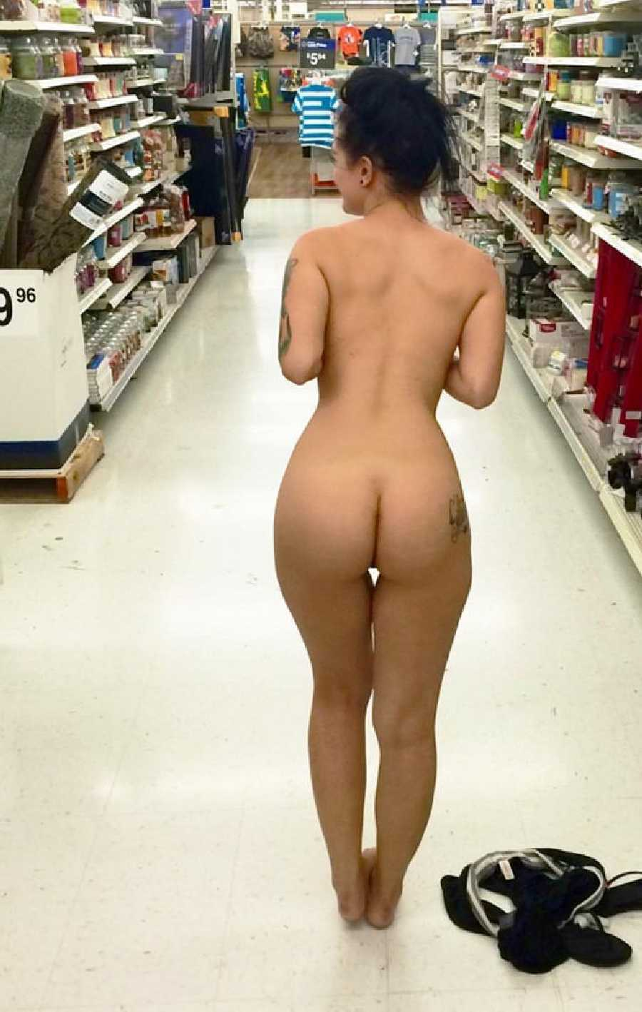 Walmart girl topless naked, xxgifs grandmother has sex
