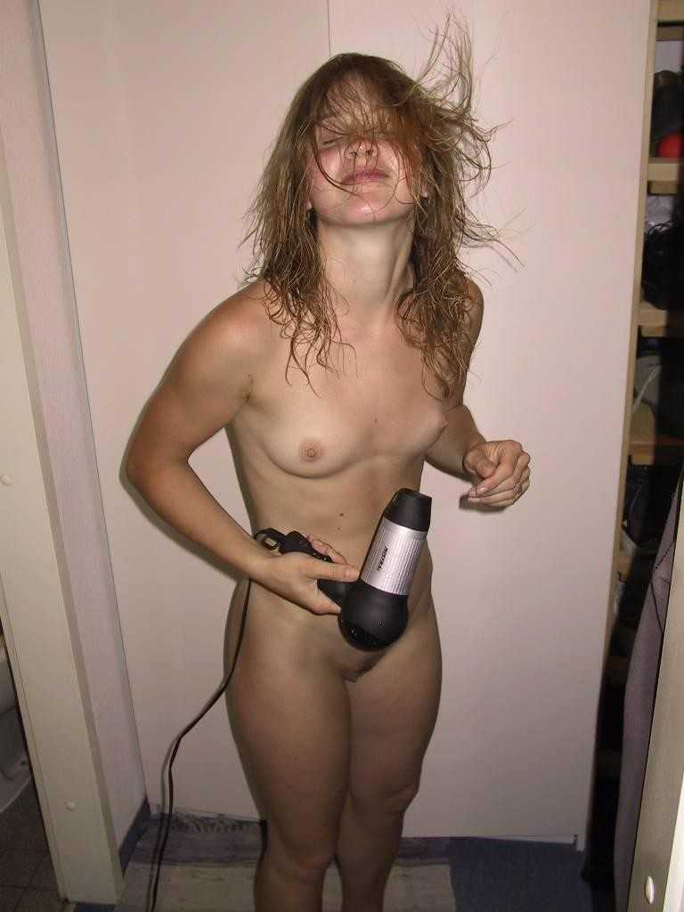 Unaware milf topless