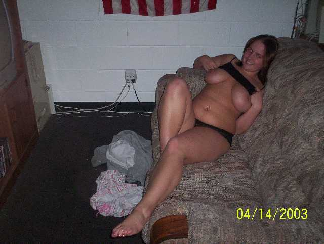 Hot curvy girls flashing nude