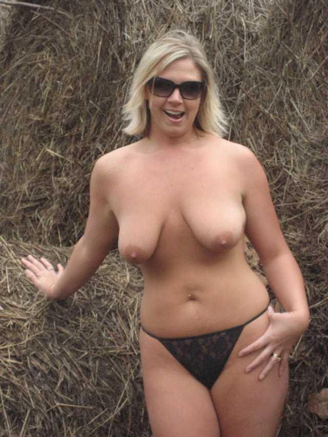 curvy nude wife