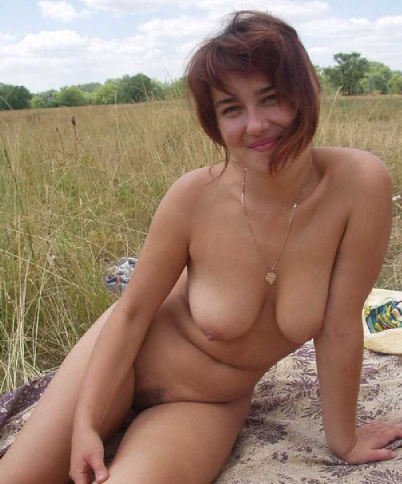 Hot wife poses naked with strangers #12