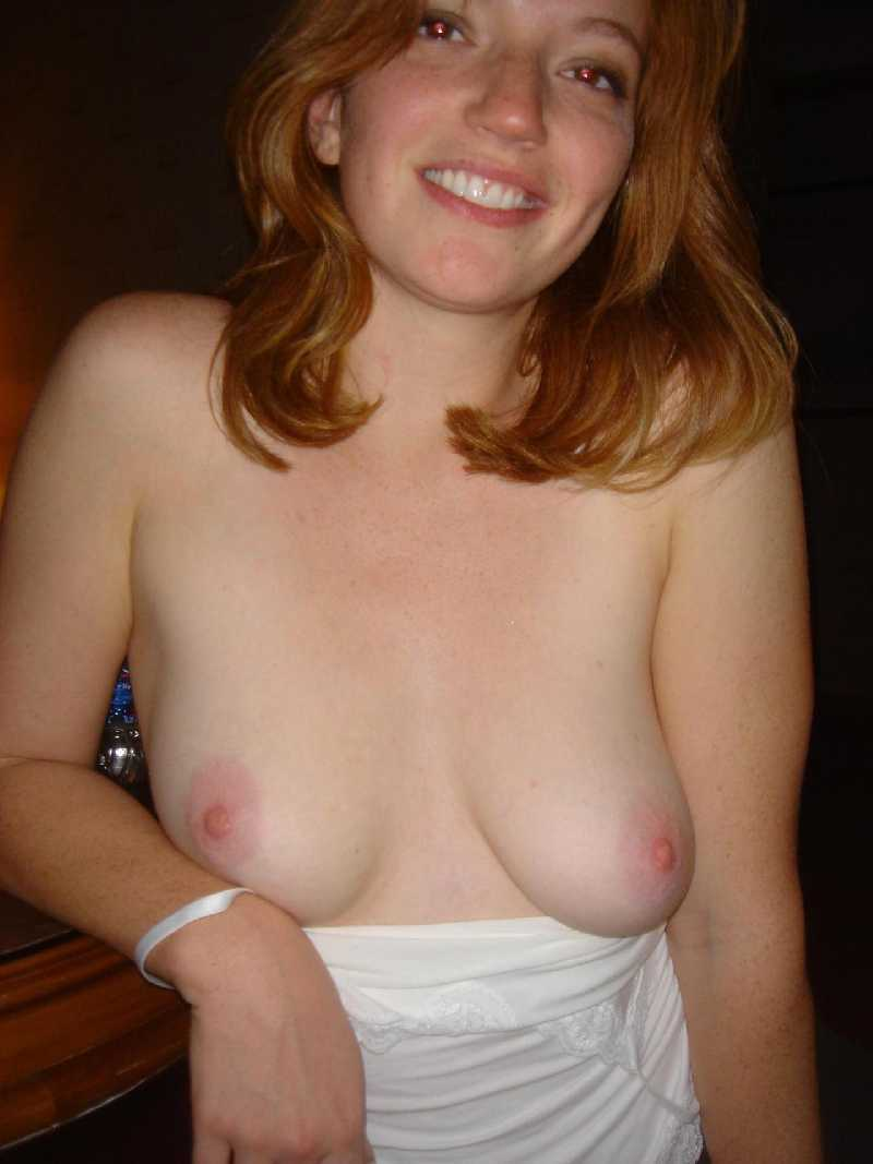 naked-amateur-ginger-wife-nude