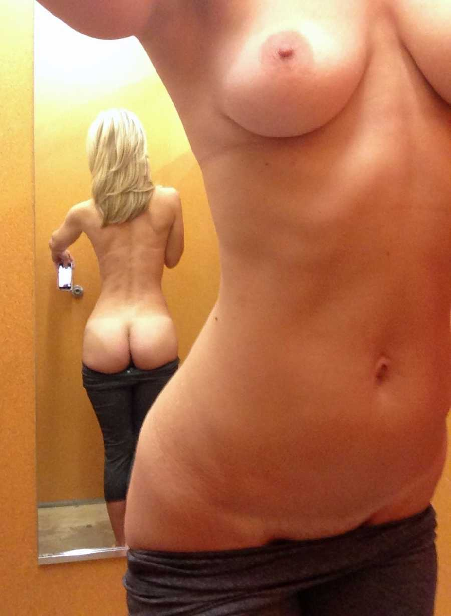porn-girl-self-pic-in-changing-room-naked-actress