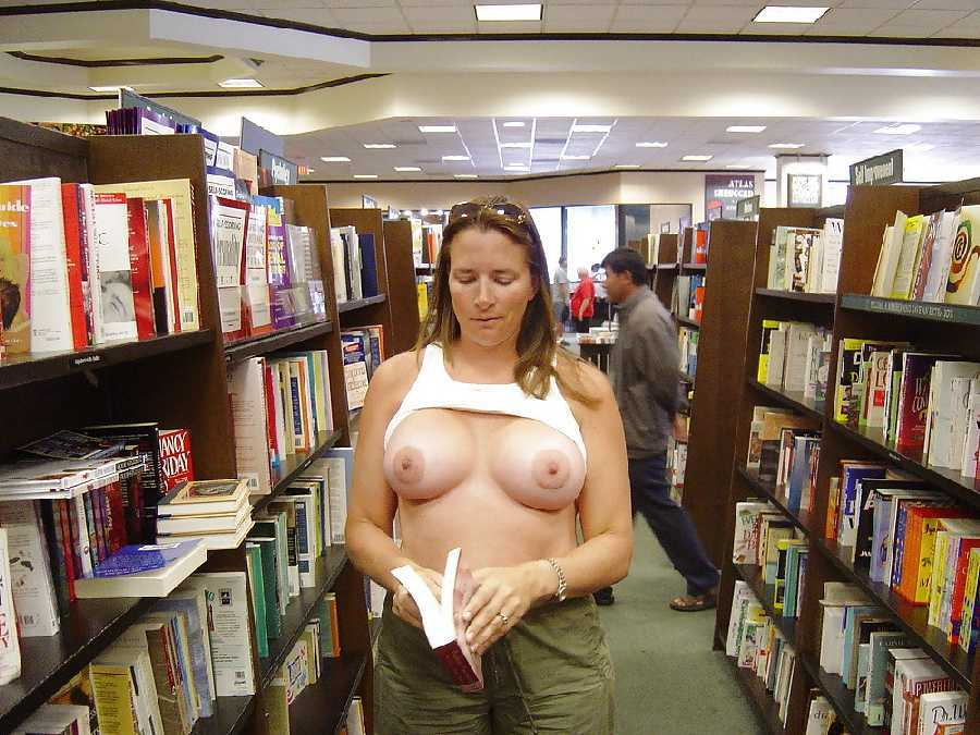 outdoor-porn-wife-nude-bookstore-guy-and