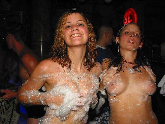 Nude foam party