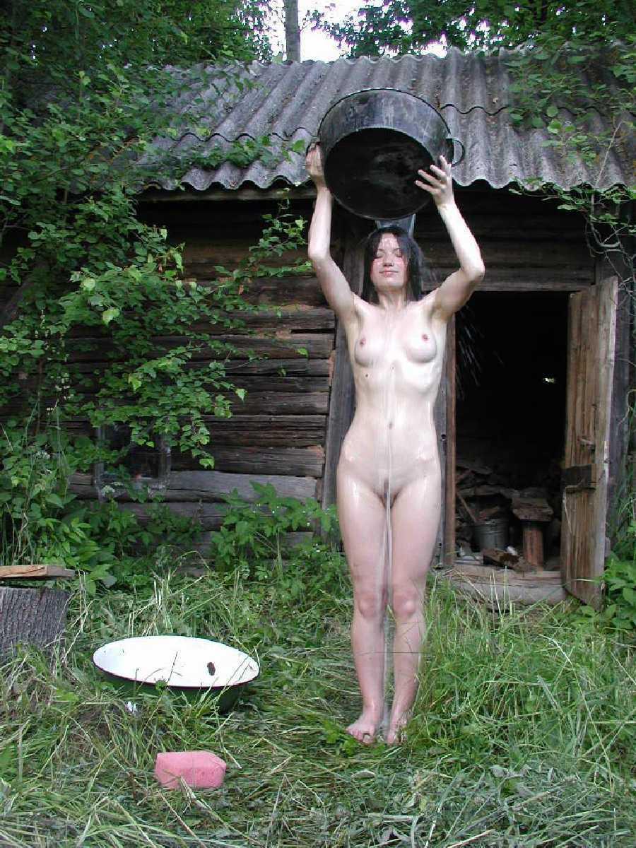 Голые в деревне бане