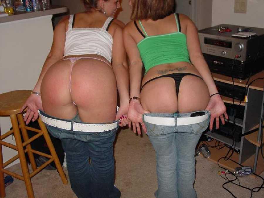 Nude mooning Teen thong