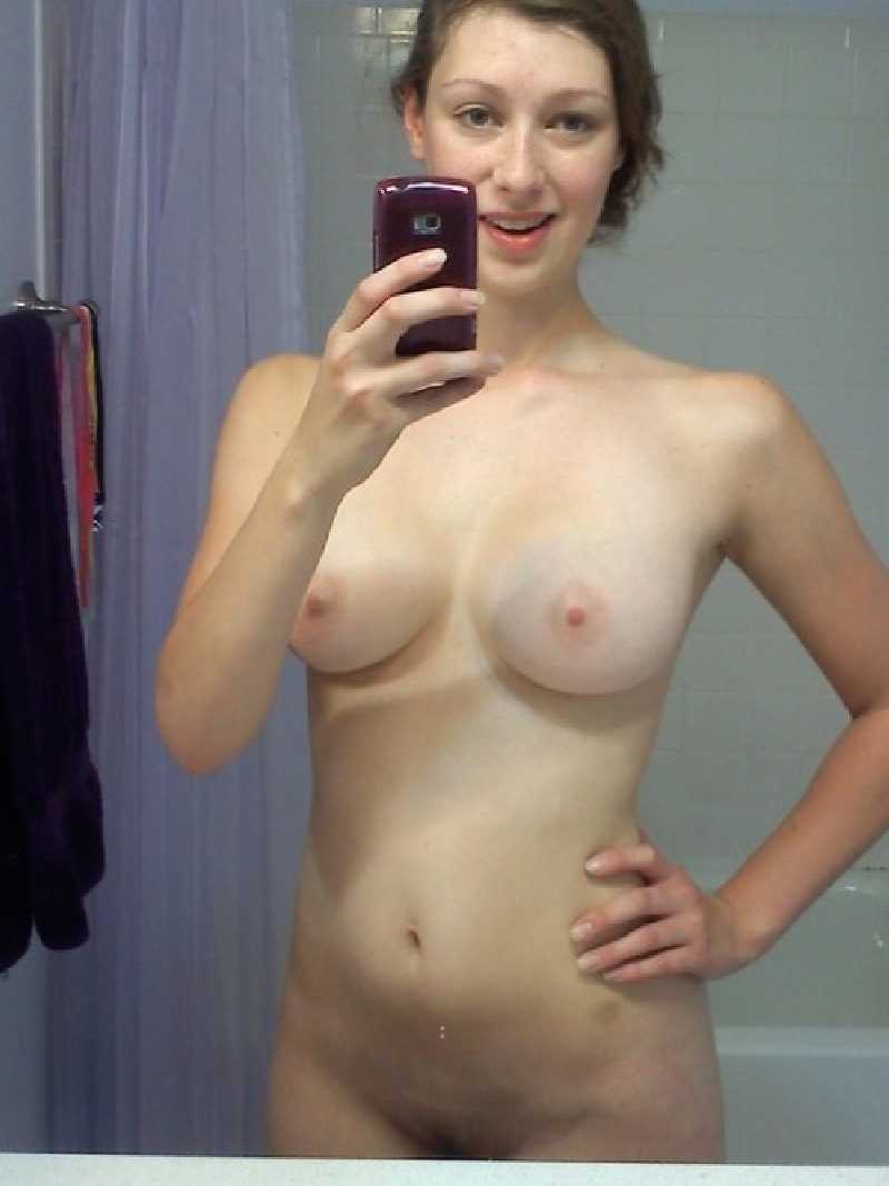 college-titts-selfie-nude-horny-young-women-fuck