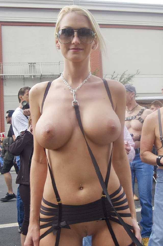 Girls Flashing Boobs Public