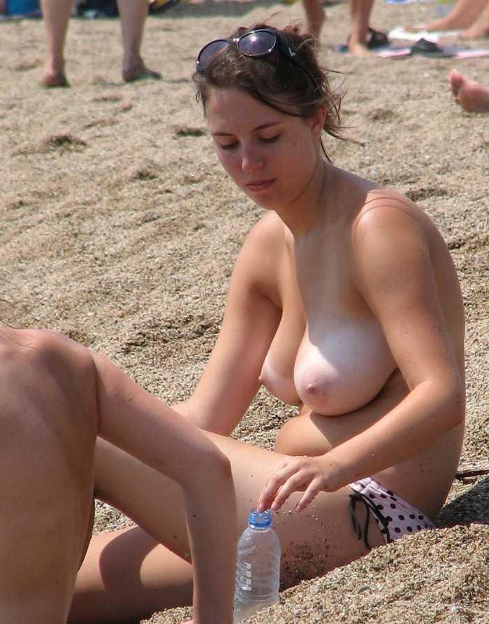 Фото нудистов с большой грудью