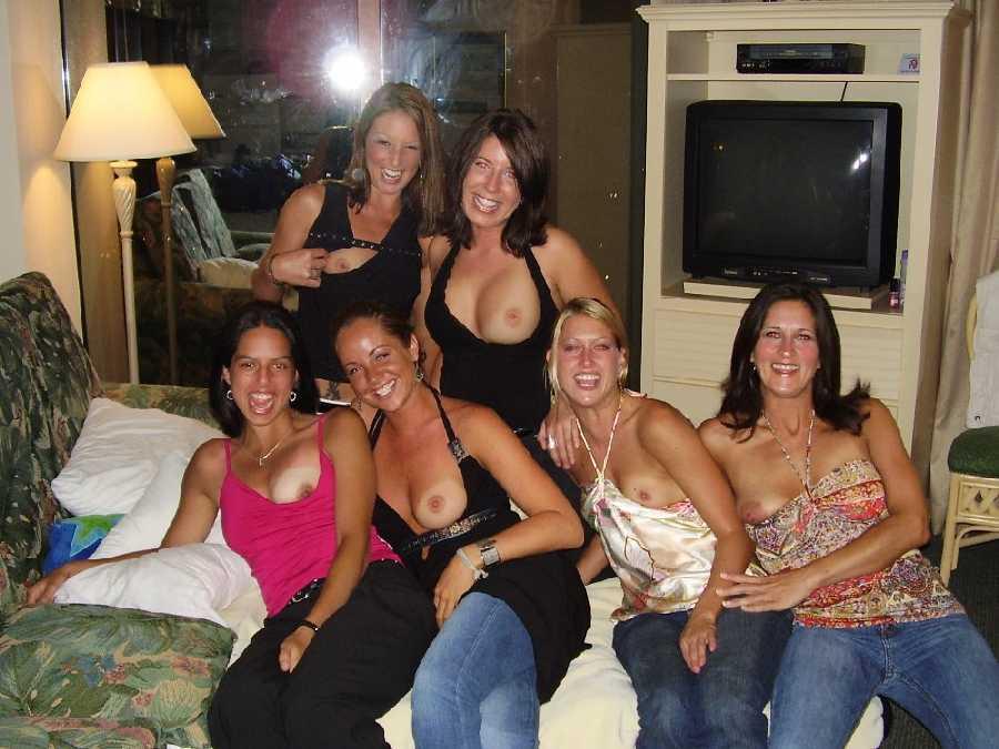 Thai multiple girls naked pics carter
