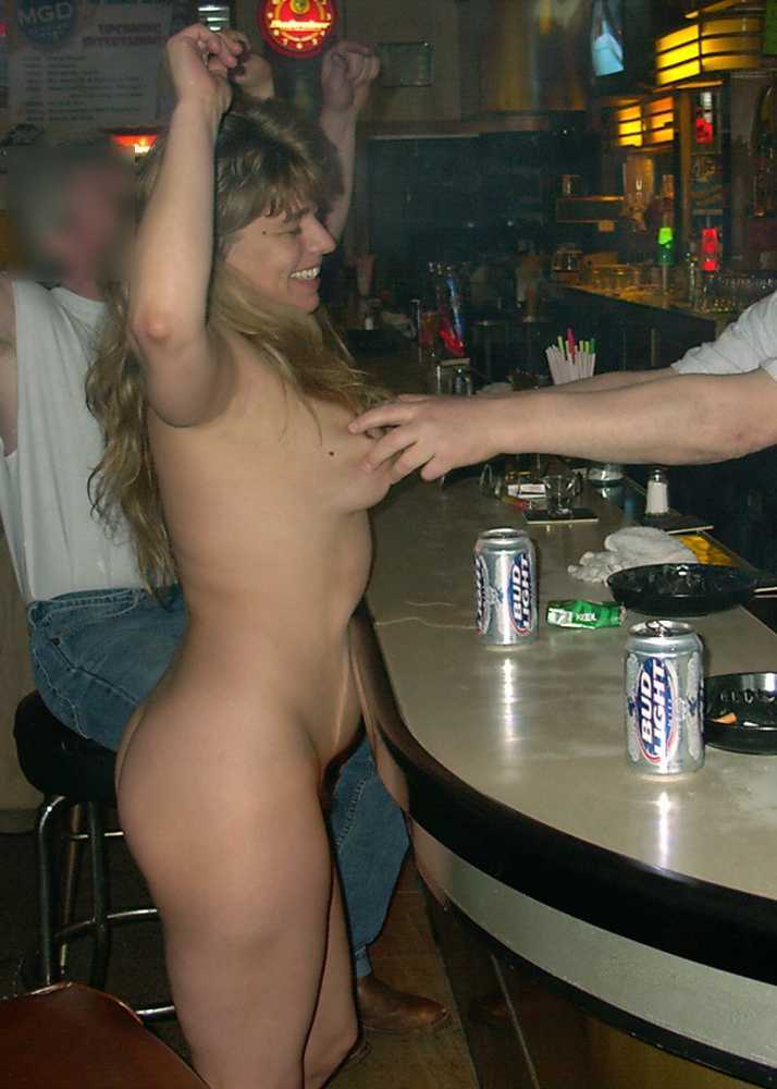 Girl gets nude in public