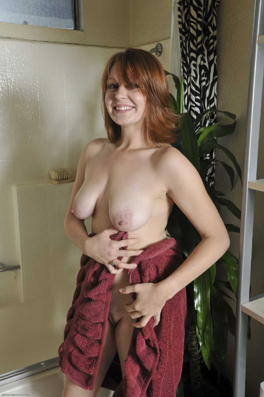 naked home pics - real girls naked
