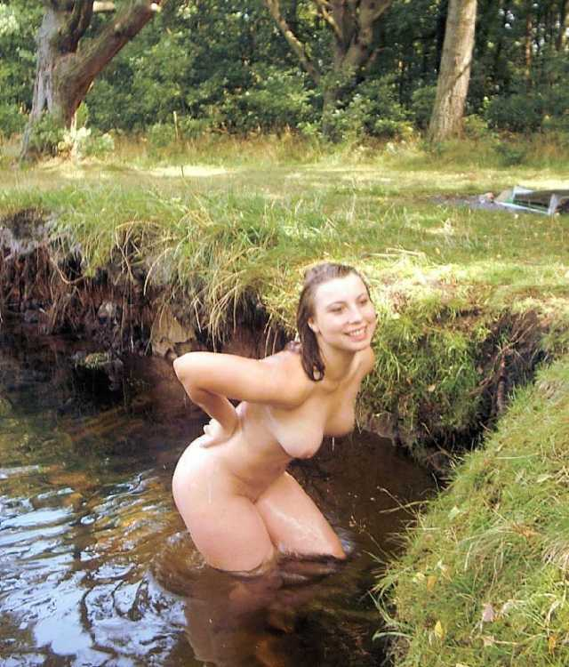 Women and water nude pics
