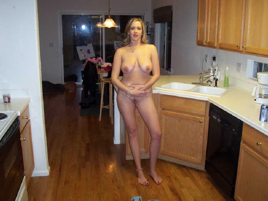 gilf-in-kitchen-naked-daddy-fucked-his-three-neices