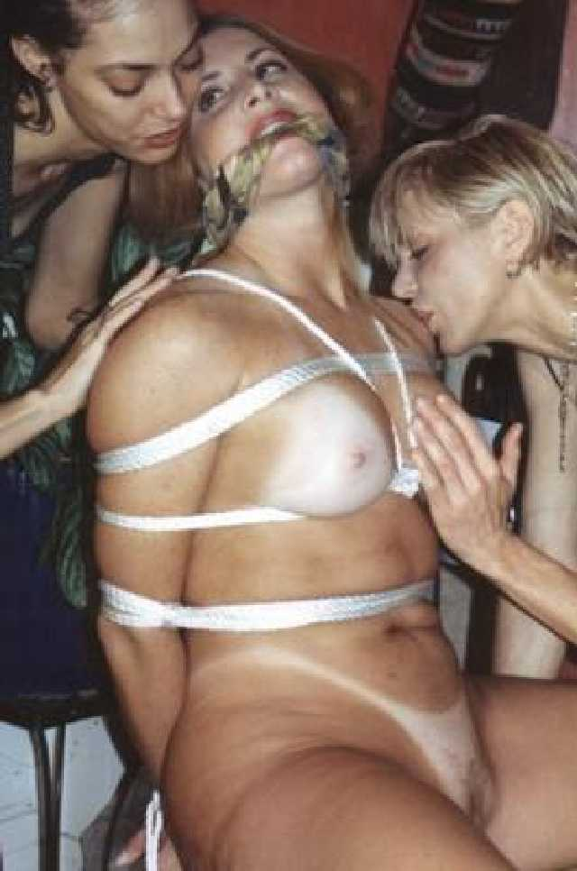 Mature lesbian nudes