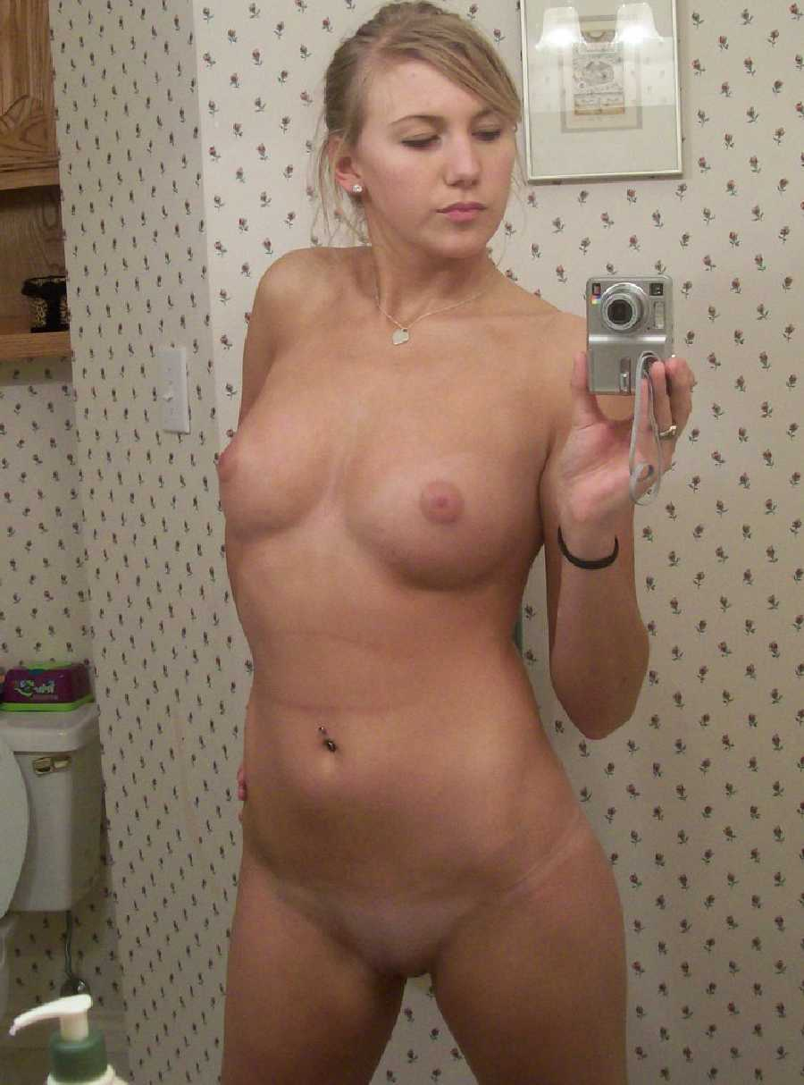 self-nude-adult-women-pic