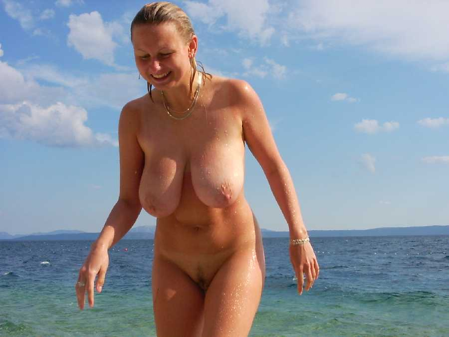 Nude women in germany