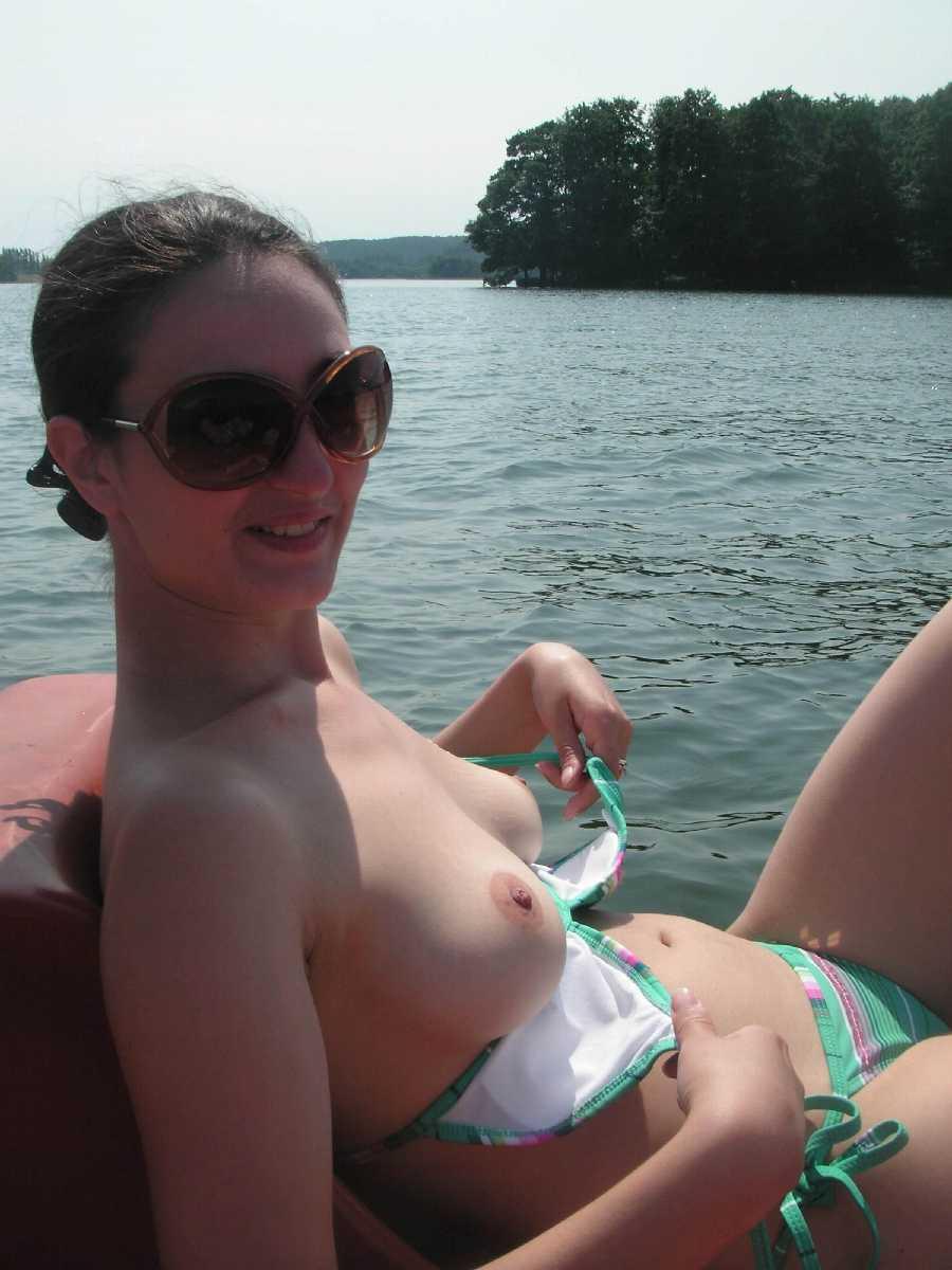 Porn nude waterskining girl
