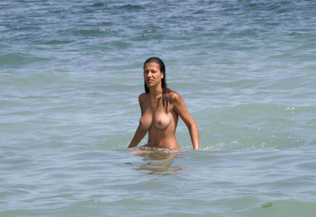 Nudist beach women — photo 9