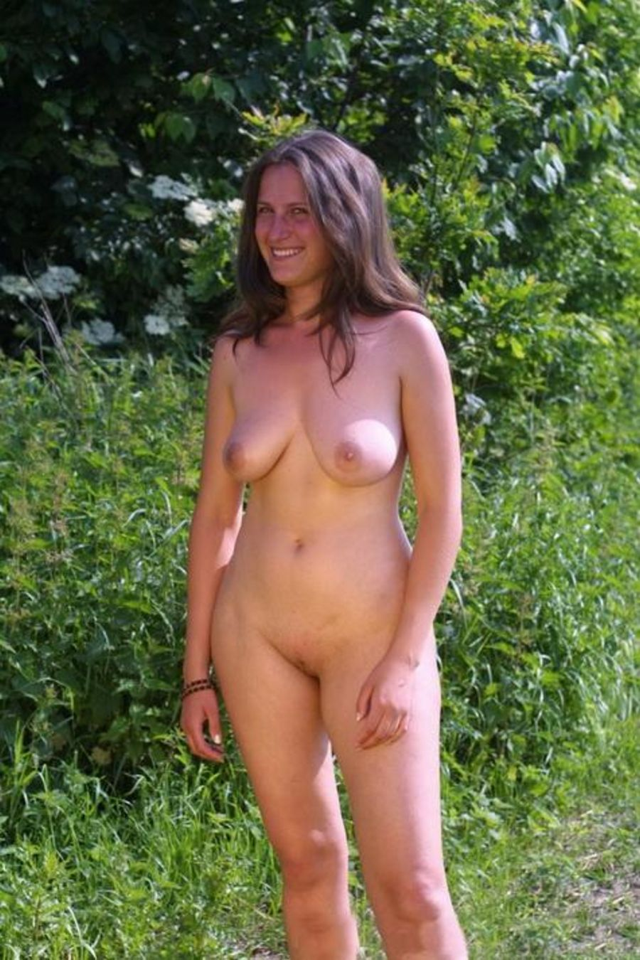 naked-wife-at-a-party-islamic-free-horny-sex-image