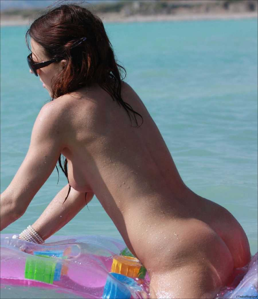 Nude Women in the Sun - Real Girls Naked