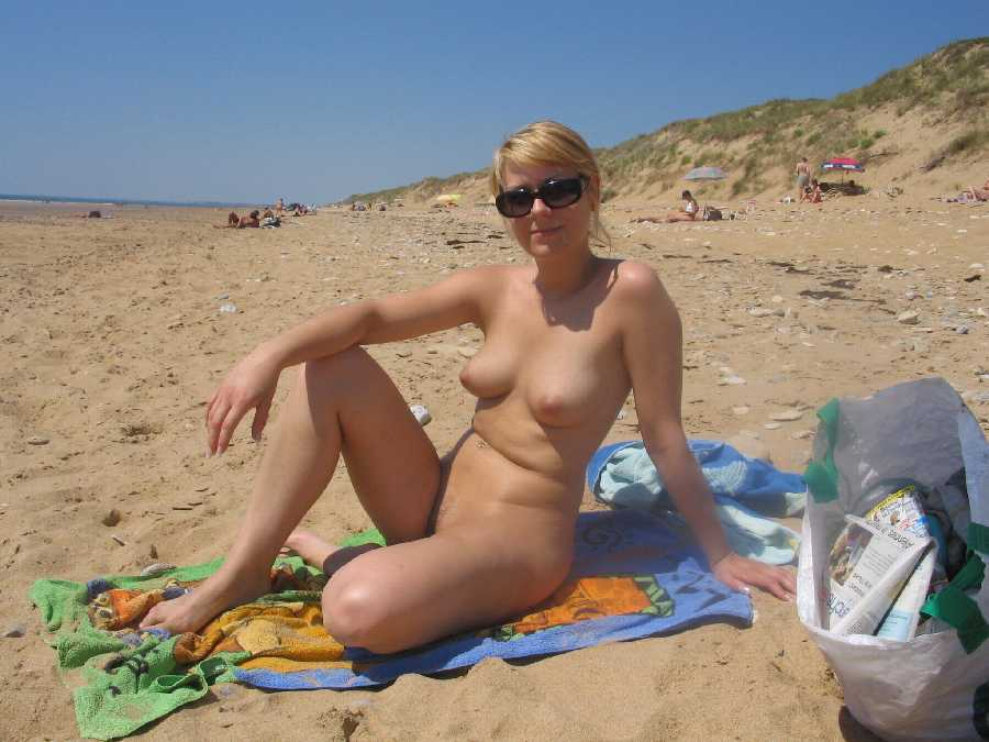 Wives nude outdoors
